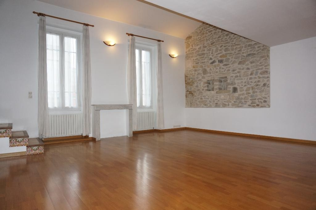 location_a_nimes_p3_alogna_agence_immobiliere_00012