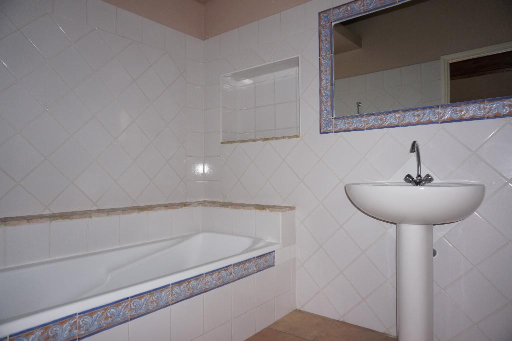 location_a_nimes_p3_alogna_agence_immobiliere_00002