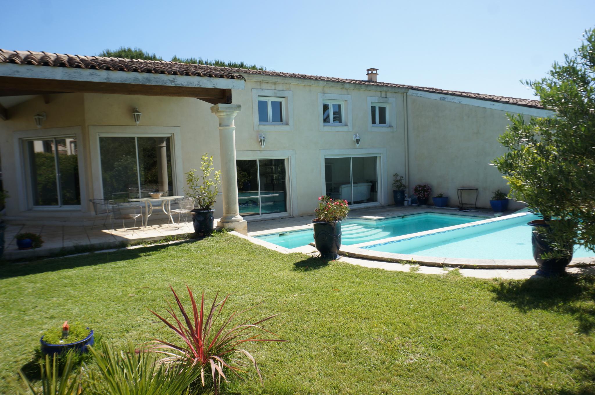 Maison n°1 avec piscine à débordement