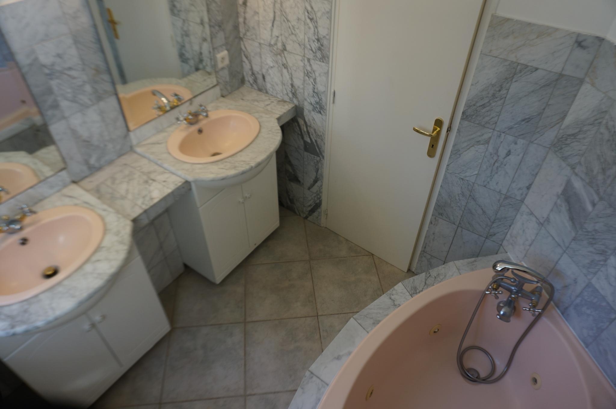 Maison n°2  salle de bains